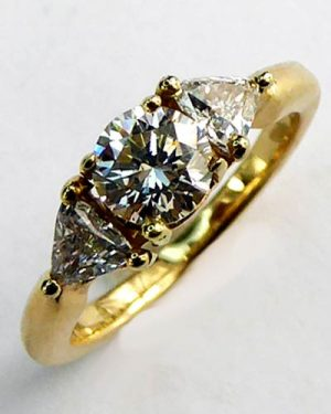 1 ct. 3 Stone Diamond Ring 880-4261