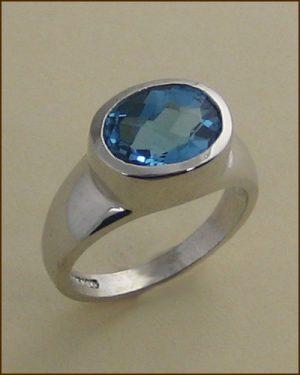14k Swiss Blue Topaz Ring 200-2126