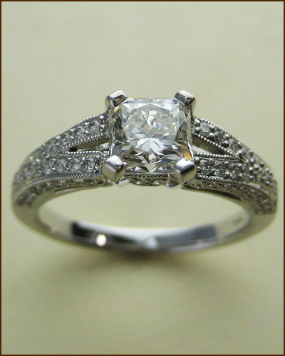 18k 1.22 ct. Dream Diamond Ring