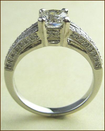 18k 1.22 ct. Dream Diamond Ring side