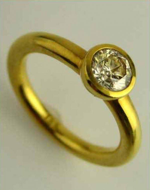 18k Champagne Diamond Ring