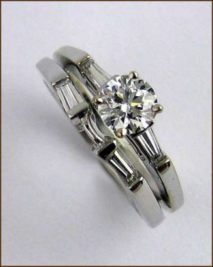 18k Diamond Wedding Set .92 cttw