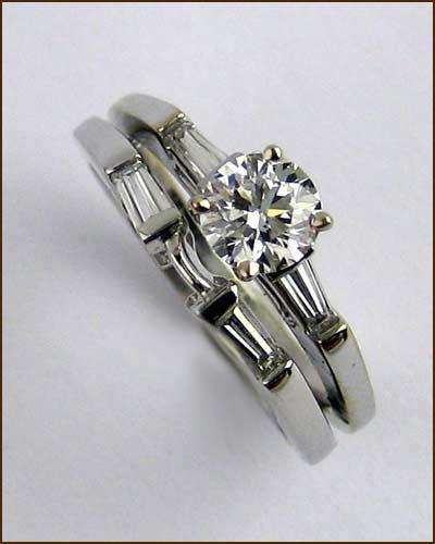 18k Diamond Wedding Set .92 cttw