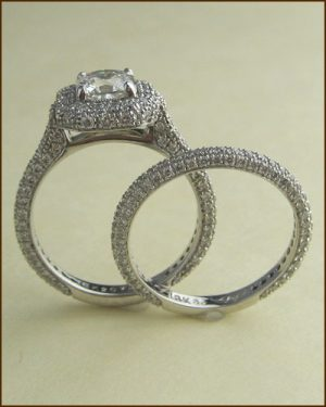 18k Dream Diamond Wedding Set side