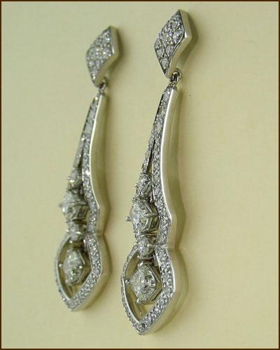 18k Enticing Diamond Earrings 893-935 side