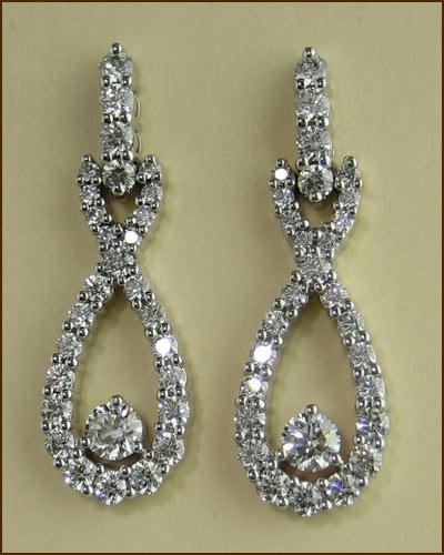 18k Stunning Diamond Earrings 893-930