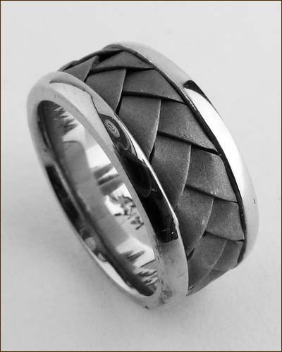 14K White Gold Braided Band standing up