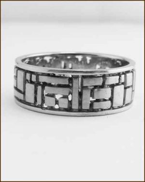 Sholdt Designs 18k White Gold Geometric Band