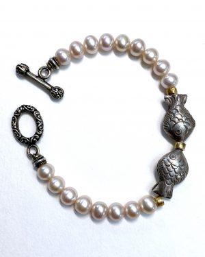Silver Pearl Fish Bracelet B2001